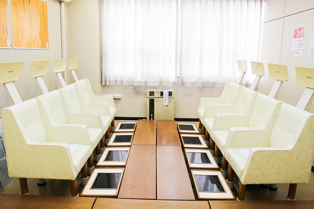 岸和田市立 高齢者ふれあいセンター : ヘルストロン室