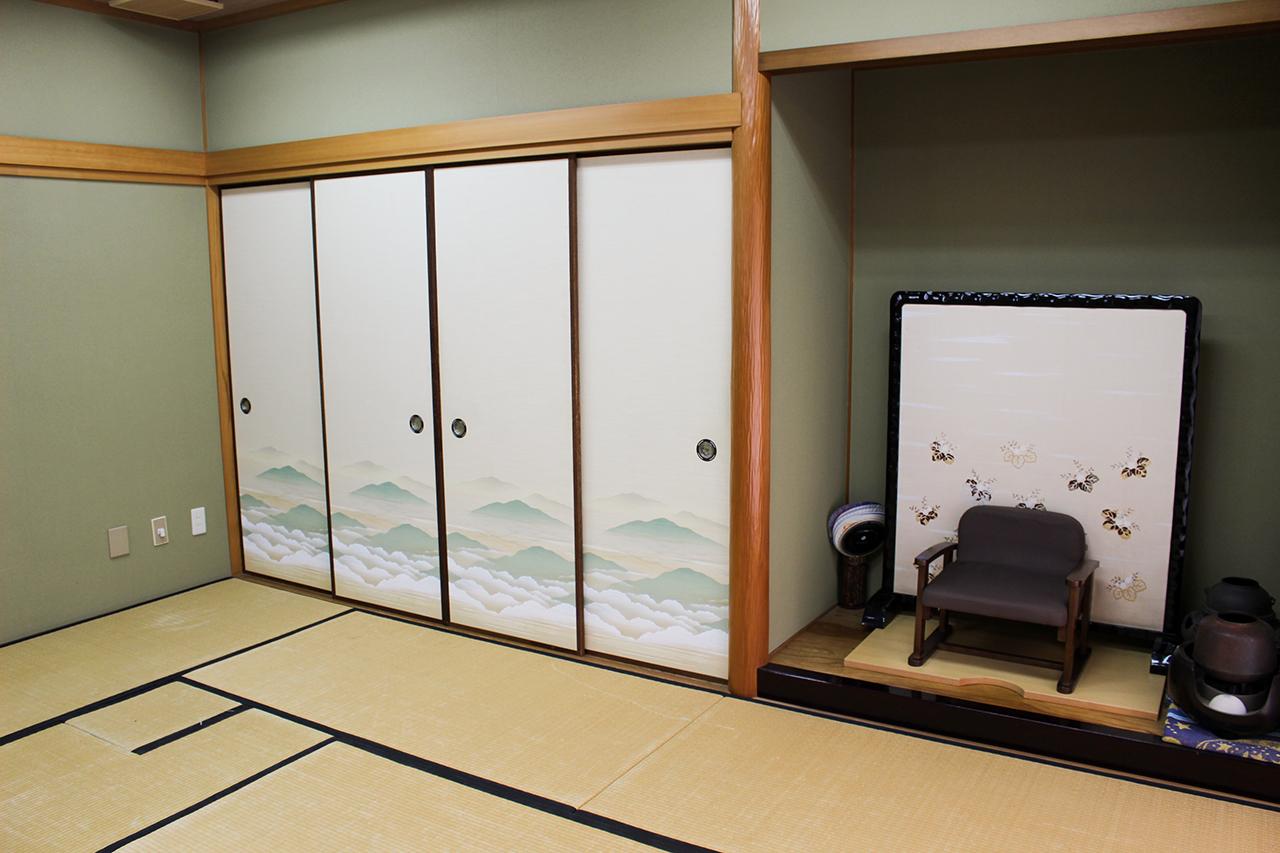 岸和田市立 高齢者ふれあいセンター : 和室