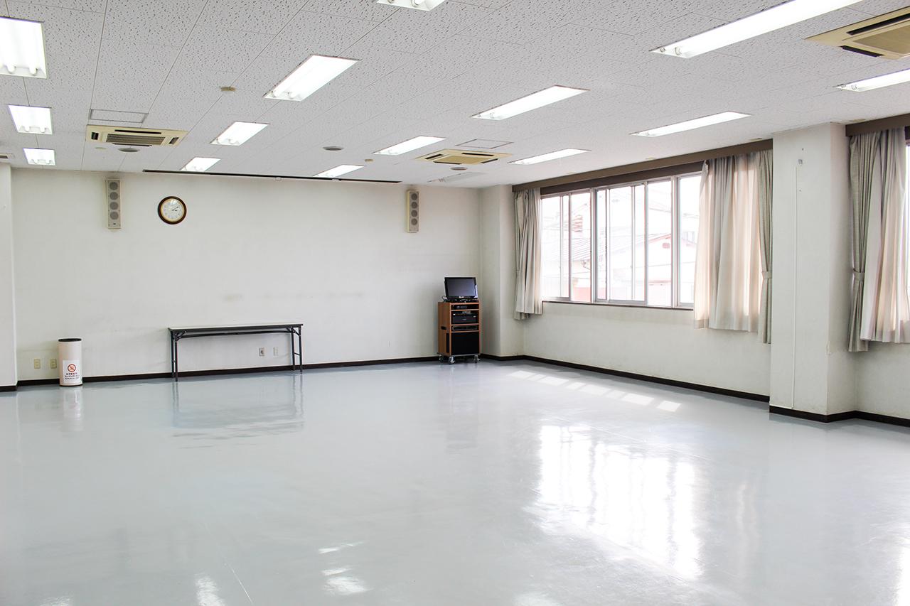 岸和田市立 高齢者ふれあいセンター : 集会室